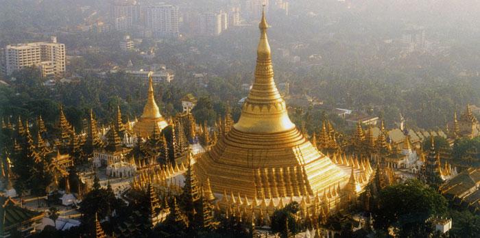 Shwedagon-Pagode-in-Myanmar
