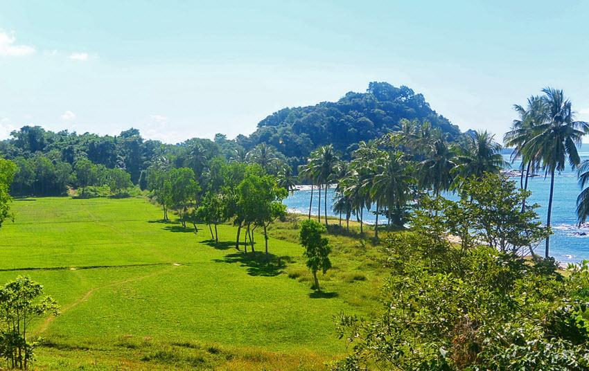 Ngapali Beach golf club