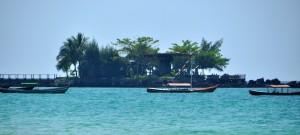 Ngapali beach visser bootjes
